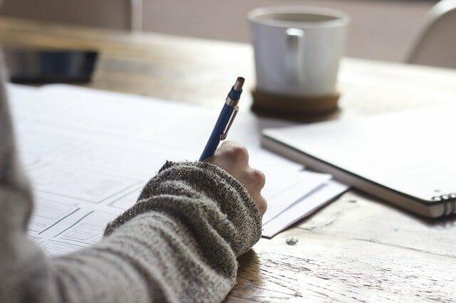 執筆、文章を書く